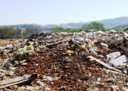 Depósito de lixo municipal precisa ser regularizado segundo a Lei 12.305/2010