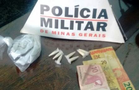 pinos_cocaina_pmmg_alpinopolis