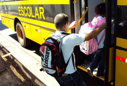 transporte-escolar-alpinópolis