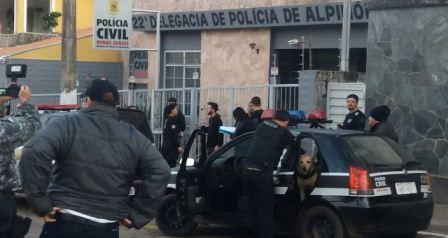 operação_antidroga_pc_alpinópolis