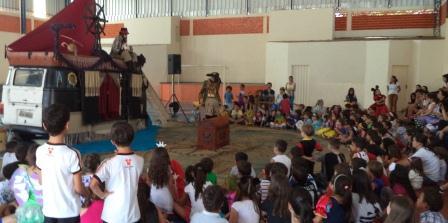 trupe_ventania_iepuc_alunos